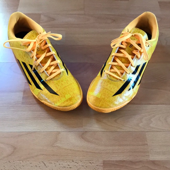 1b7c961b44 Lionel Messi Yellow Indoor Soccer Shoes MENS 12